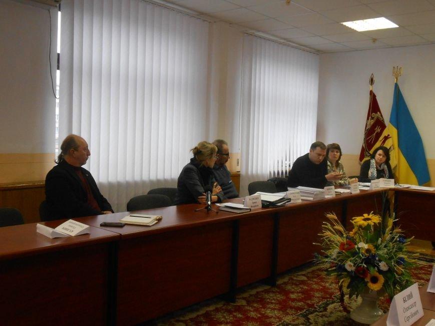 Как планируют решать проблему МАФов в Днепродзержинске (фото) - фото 1