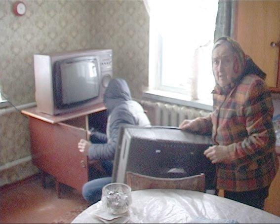 В Полтаве 85-летняя пенсионерка помогла задержать псевдополицейского (фото) - фото 1