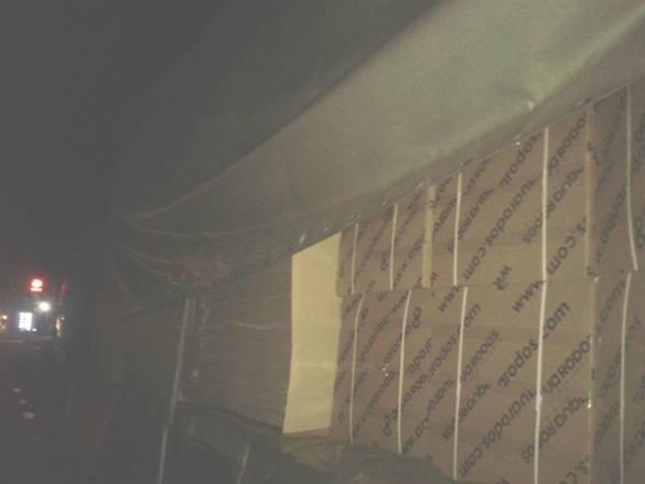 Под Житомиром загорелась фура с мебелью (фото) - фото 1