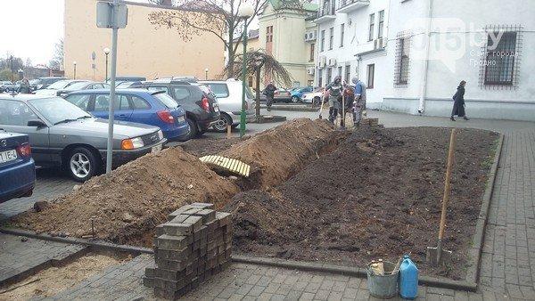 В Гродно решаются последние детали перед началом работы первой в городе платной парковки (фото) - фото 1