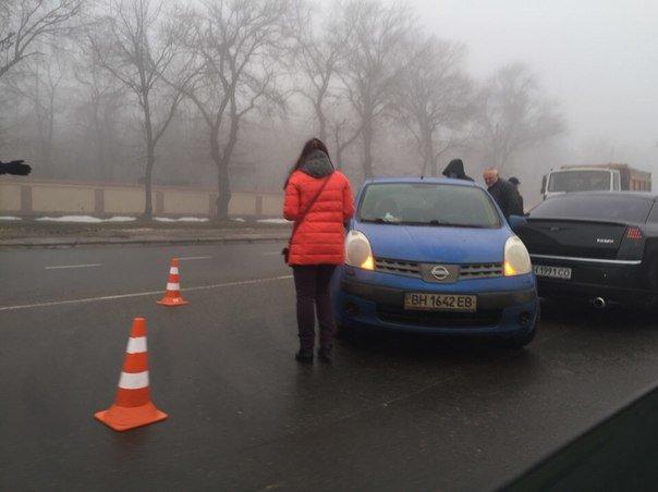 Из-за аварии на Люстдорфской дороге одесситы тяжело добираются на работу (ФОТО) (фото) - фото 1