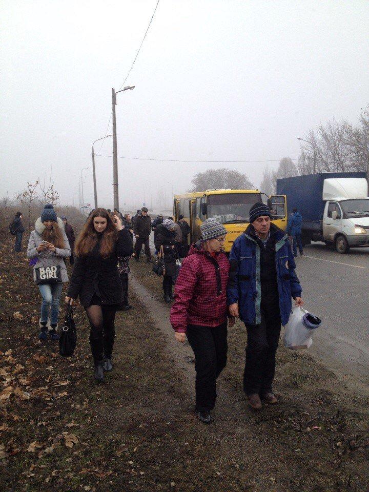 В Запорожье загорелась маршрутка, - ФОТО (фото) - фото 1