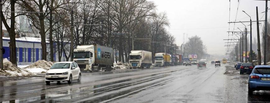 Автохамство грузовиков в Полтаве (ФОТО, ВИДЕО) (фото) - фото 3