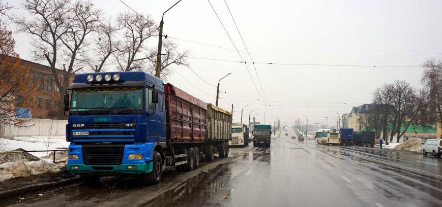 Автохамство грузовиков в Полтаве (ФОТО, ВИДЕО) (фото) - фото 1
