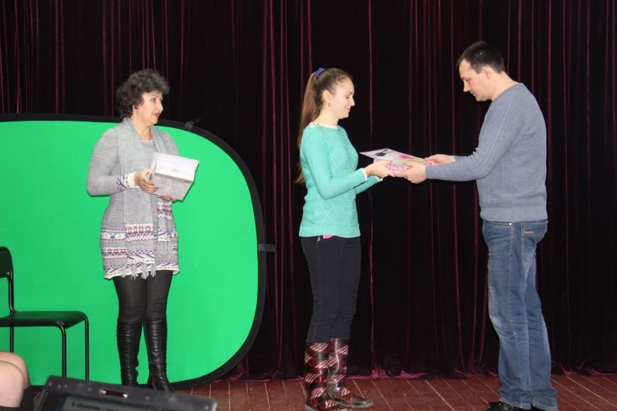 В  Добропольском ЦДЮТ состоялось награждение победителей конкурса фотоаматоров, фото-9