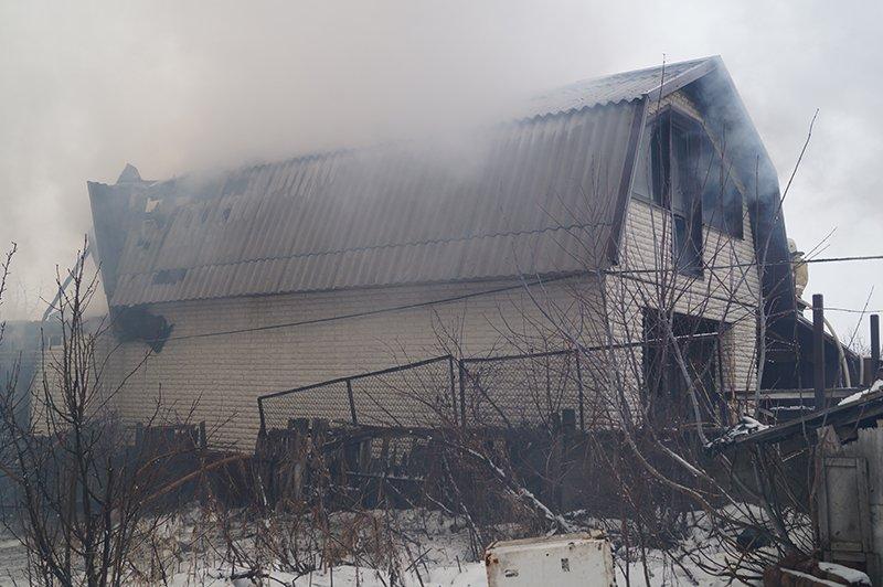 В Белгороде по улице Сумской сгорела мебельная мастерская (фото) - фото 3