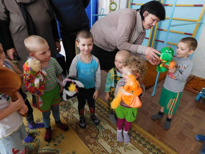 В детские сады Добропольского района были переданы игрушки (фото) - фото 1