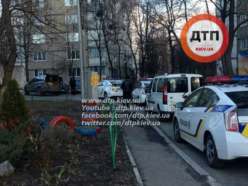В Киеве в результате погони полиция задержала автоугонщиков (ФОТО), фото-1