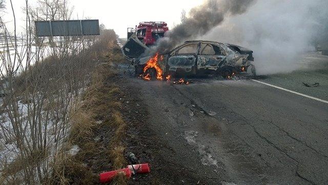 Под Днепропетровском загорелась машина с водителем внутри: фотографии (фото) - фото 5