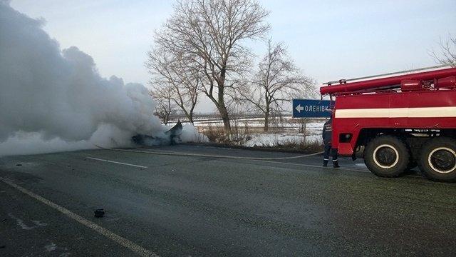 Под Днепропетровском загорелась машина с водителем внутри: фотографии, фото-3