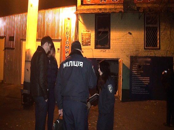 В Киеве полиция расследует обстрел СТО из гранатомета (ФОТО) (фото) - фото 1