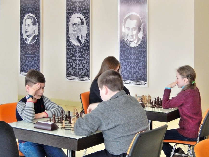 В Кривом Роге определили команду-чемпиона города по шахматам среди молодежи (ФОТО) (фото) - фото 1