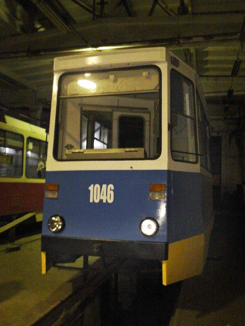 В Днепродзержинск после капремонта прибыл первый из пяти трамвайных вагонов (фото) - фото 1