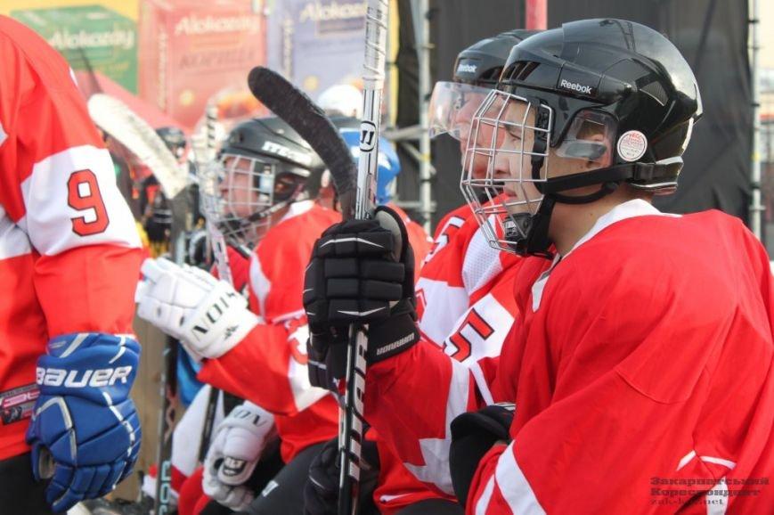 В Ужгороді змалися хокеїсти (фото) - фото 1