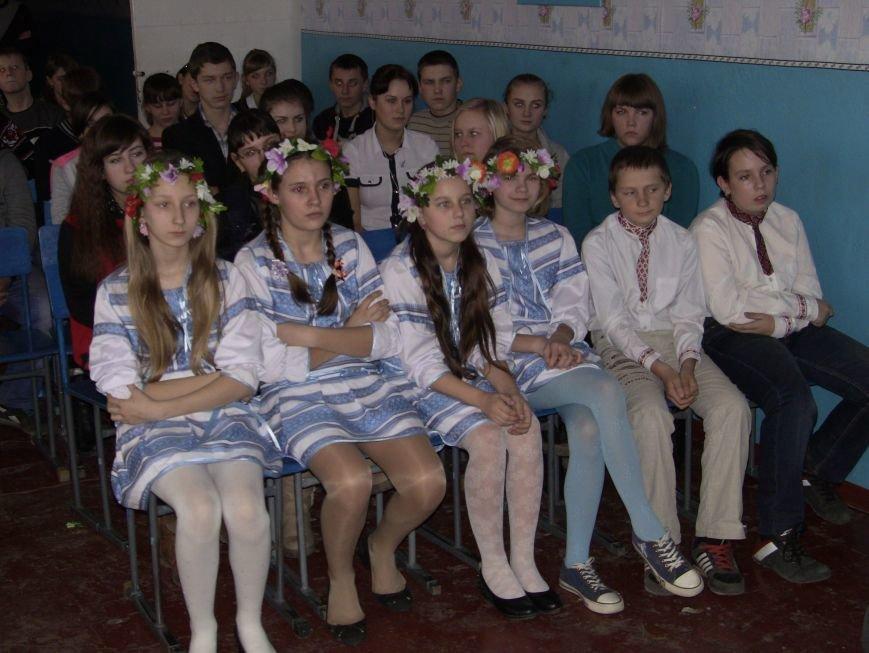 Пам'ятаймо героїв України - уроженців Красноармійського району! (фото) - фото 2