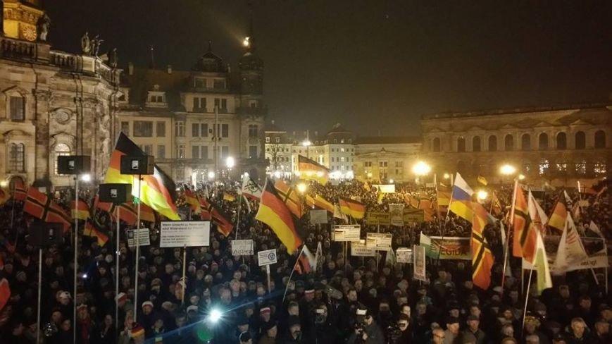 Следом за Крымом и Донбассом Кремль принялся за «освобождение» Германии (фото) - фото 1