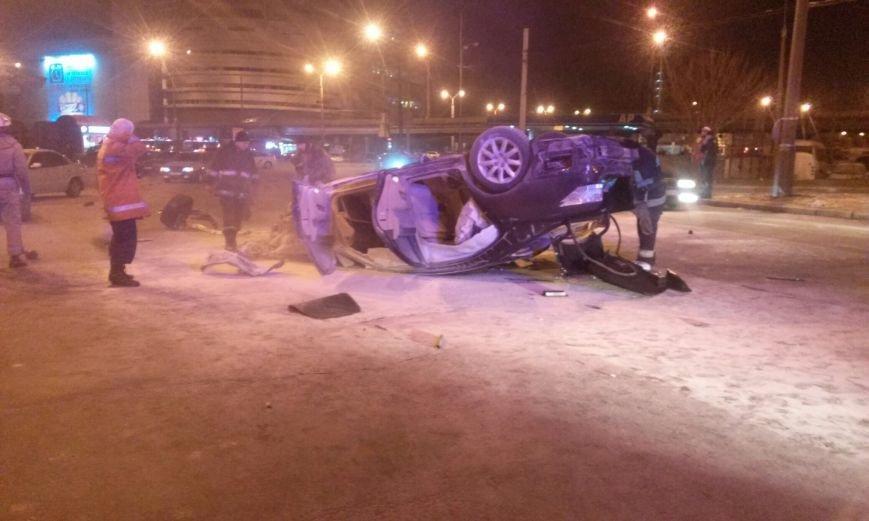 """ДТП в Днепропетровске: на набережной перевернулся и загорелся """"Lexus"""" (ФОТО), фото-2"""