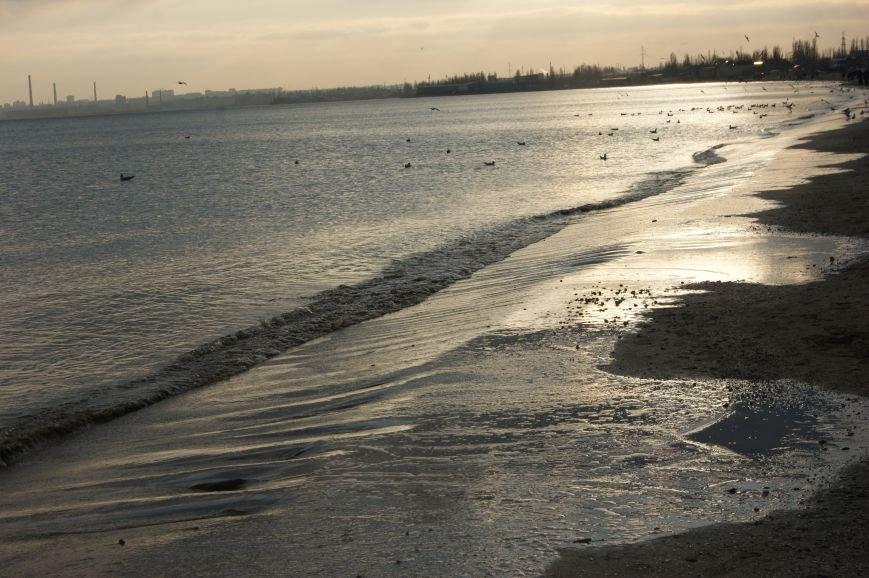 Одесситы выходные проводят на красивом зимнем море (ФОТОРЕПОРТАЖ) (фото) - фото 1