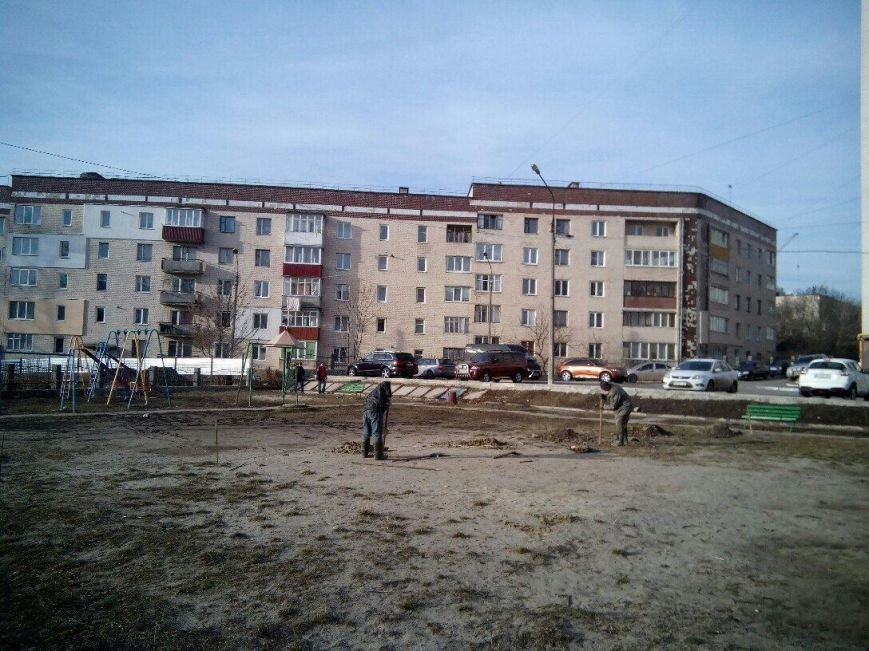 Тернополяни нарікають на захоплення будівельником дитячого майданчика (Фото), фото-4