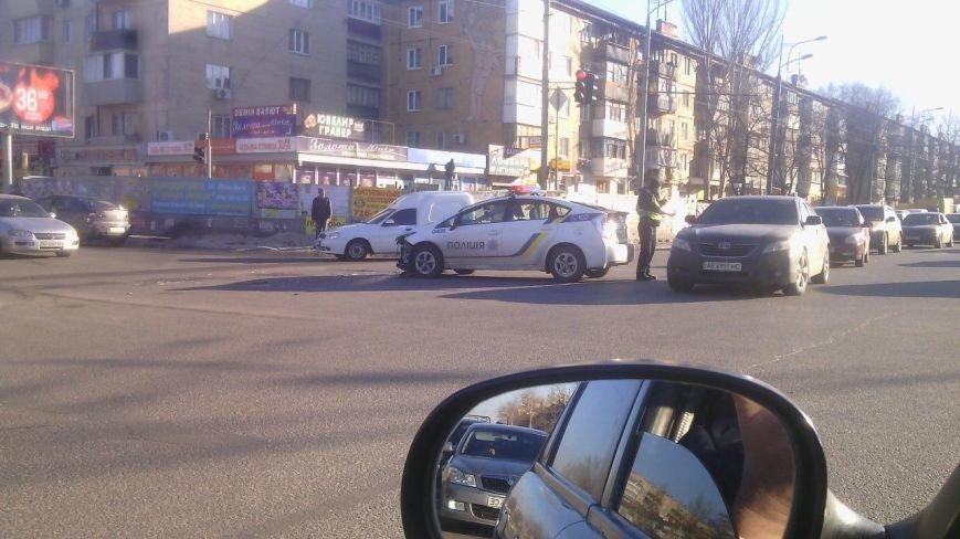 На перекрестке Правды и Калиновой в ДТП попали полицейские: фотографии (фото) - фото 2