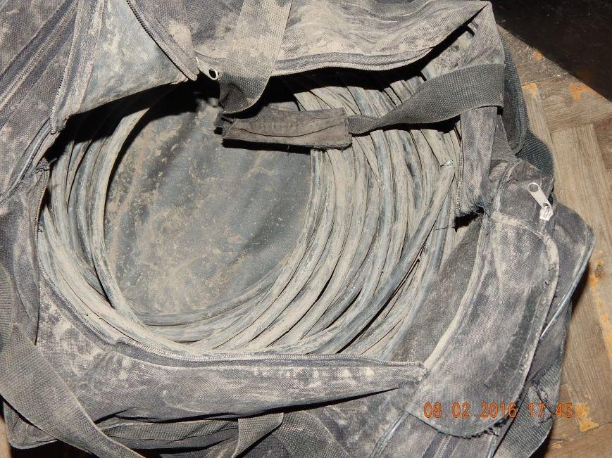 Задержаны днепродзержинцы, укравшие кабель на улицах Матросова и Алтайской (фото) - фото 2