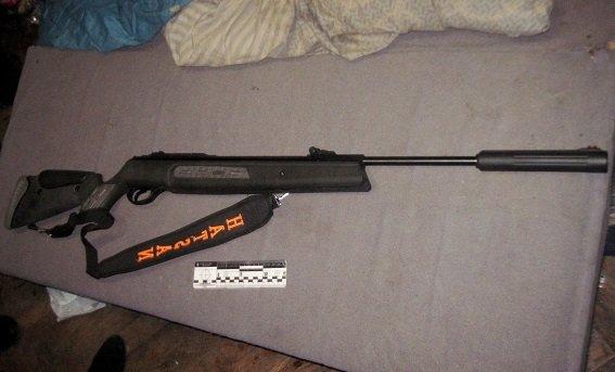 В Киеве пьяный мужчина выстрелил из винтовки в подростка (ФОТО) (фото) - фото 3