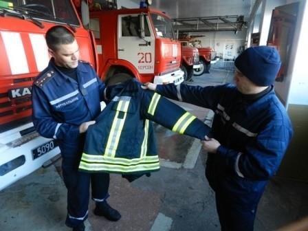 Херсонские спасатели получили новые боевые комплекты (фото) (фото) - фото 1
