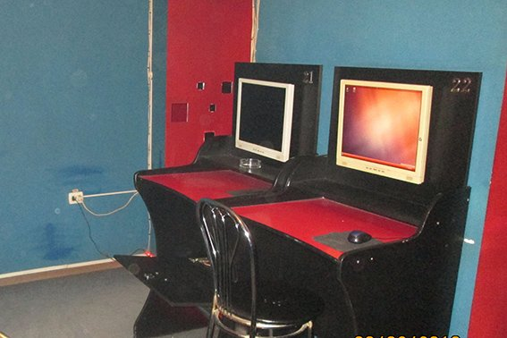 На Прикарпатті поліція припинила незаконну діяльність ігрового залу (ФОТО) (фото) - фото 1
