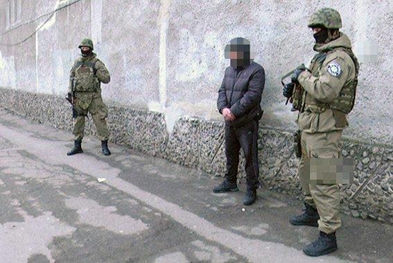 В Одессе полицейские задержали грабителей на угнанной машине (ФОТО) (фото) - фото 2