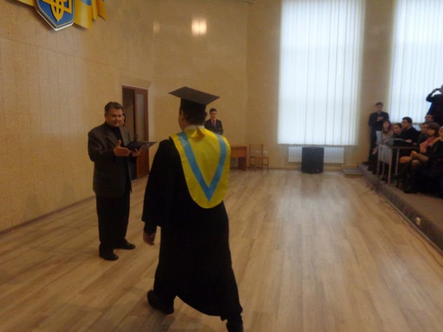 В Красноармейском индустриальном институте торжественно вручили дипломы магистрам (фото) - фото 6