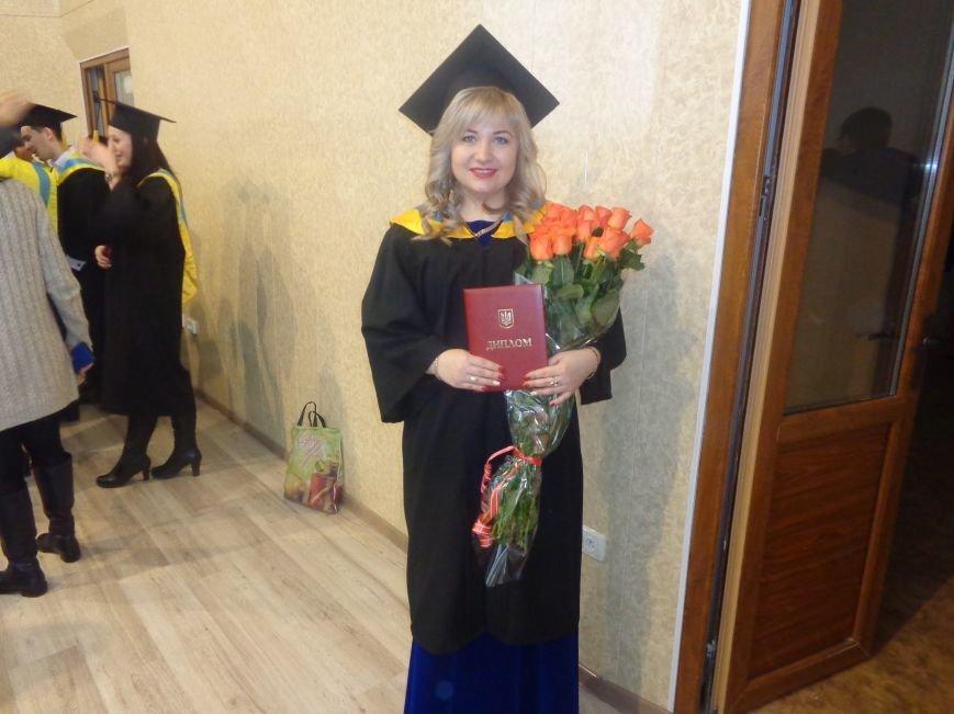 В Красноармейском индустриальном институте торжественно вручили дипломы магистрам (фото) - фото 23