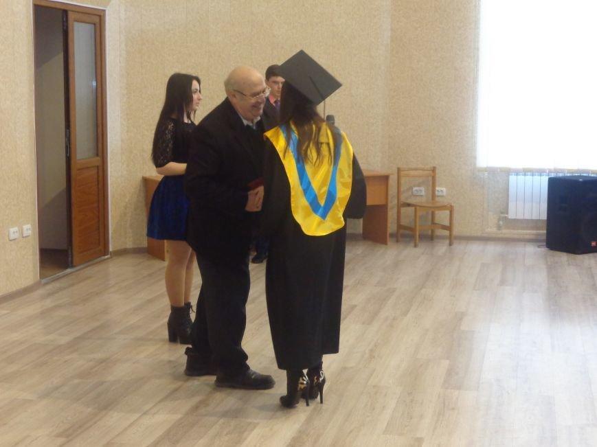 В Красноармейском индустриальном институте торжественно вручили дипломы магистрам (фото) - фото 21