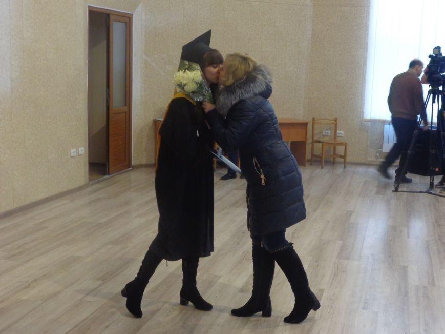 В Красноармейском индустриальном институте торжественно вручили дипломы магистрам (фото) - фото 12