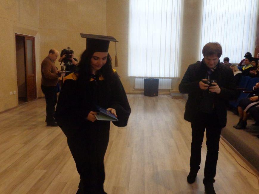 В Красноармейском индустриальном институте торжественно вручили дипломы магистрам (фото) - фото 11