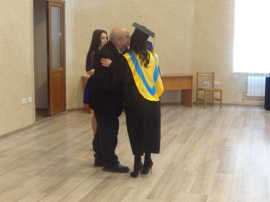 В Красноармейском индустриальном институте торжественно вручили дипломы магистрам (фото) - фото 20