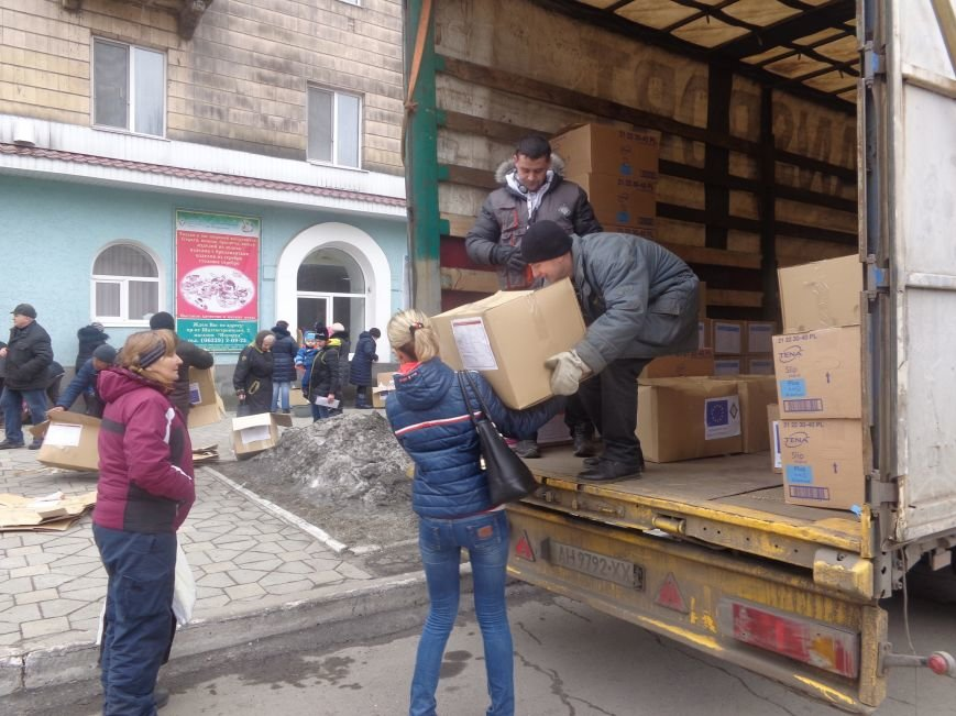 В Красноармейск приехала гуманитарная помощь для переселенцев (фото) - фото 5