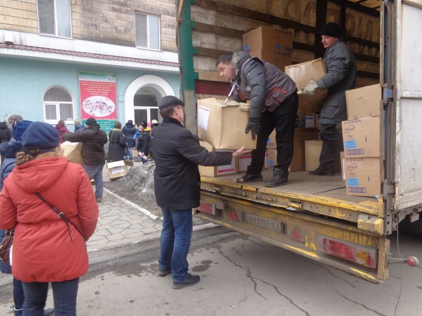 В Красноармейск приехала гуманитарная помощь для переселенцев (фото) - фото 6