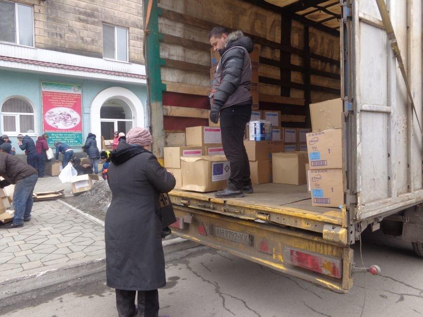 В Красноармейск приехала гуманитарная помощь для переселенцев (фото) - фото 7
