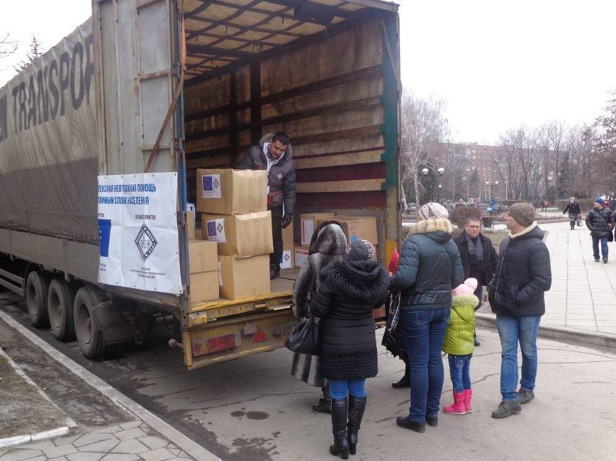 В Красноармейск приехала гуманитарная помощь для переселенцев (фото) - фото 1