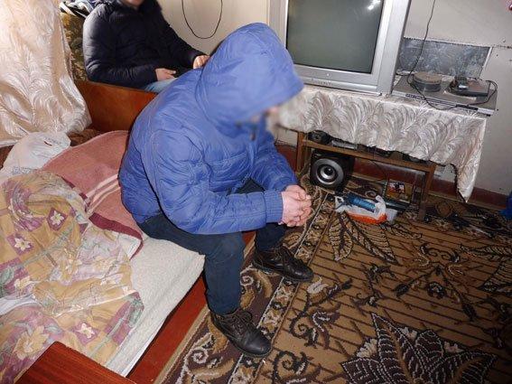 В Черниговской области работала крупная нарколаборатория (фото) - фото 1