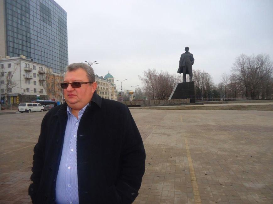 Ритуальная служба восстановила и обмыла Ленина в Донецке (ФОТО) (фото) - фото 1