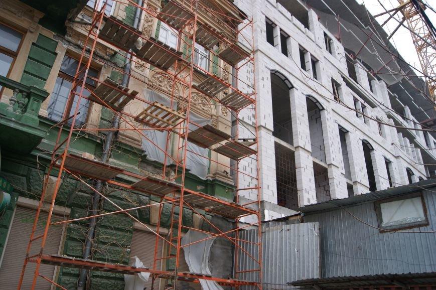75d3d7afaf73ef23c2ee376680c5ca21 Строительство в центре Одессы разрушает памятник архитектуры