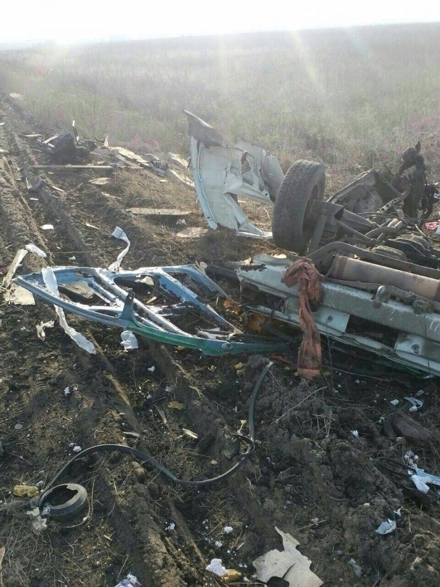 На выезде из Донецка взорвался автобус с пассажирами (ОБНОВЛЕНО), фото-4