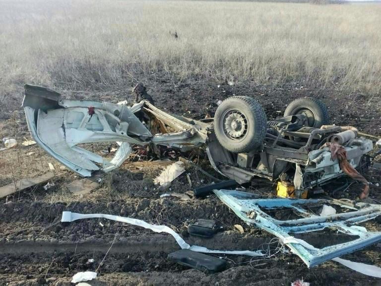 По дороге из Донецка в Курахово подорвался пассажирский микроавтобус. В числе погибших - макеевчанин (фото) (фото) - фото 5