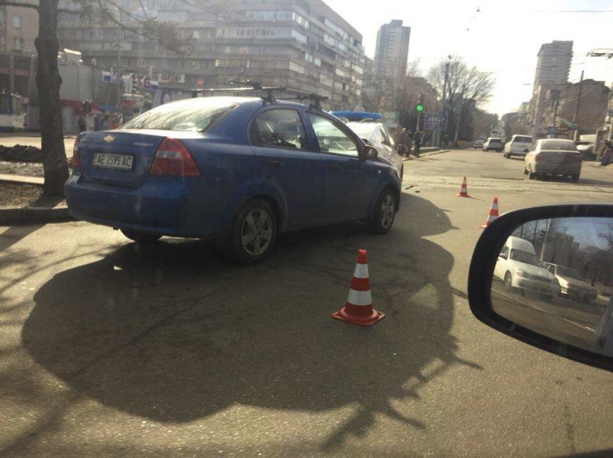 Полицейской Toyota на проспекте Кирова въехали в зад: фотографии (фото) - фото 2