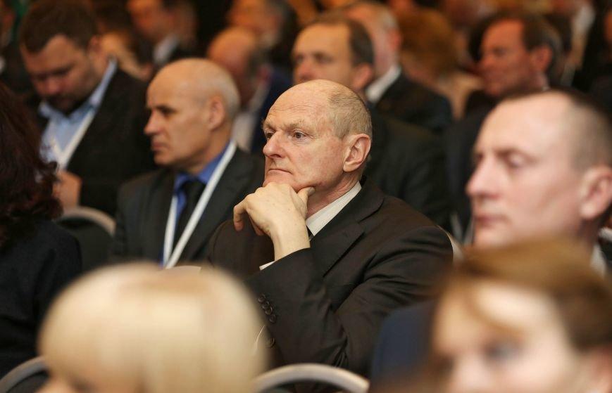 Стратегия социально-экономического развития Крыма должна учитывать специфические особенности и ограниченность ресурсов республики, –  Аксёнов (ФОТО) (фото) - фото 1