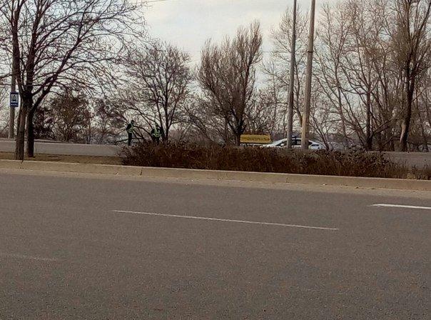 Днепропетровские полицейские стояли на трассе без мигалок (ФОТО) (фото) - фото 1