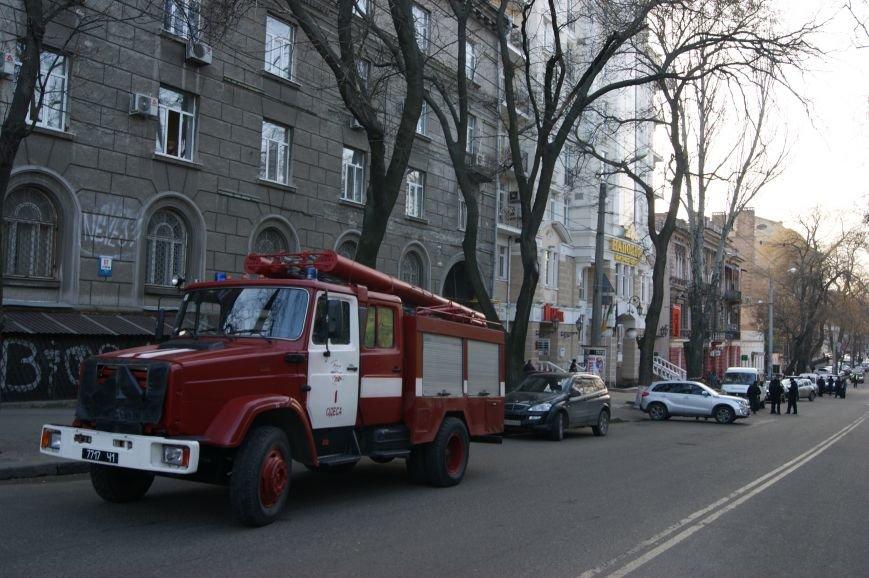 37443ad6c7d4a0af31bfe45e7ef8f53d Из-за телефонных хулиганов в Одессе не ходят троллейбусы и перекрыта улица