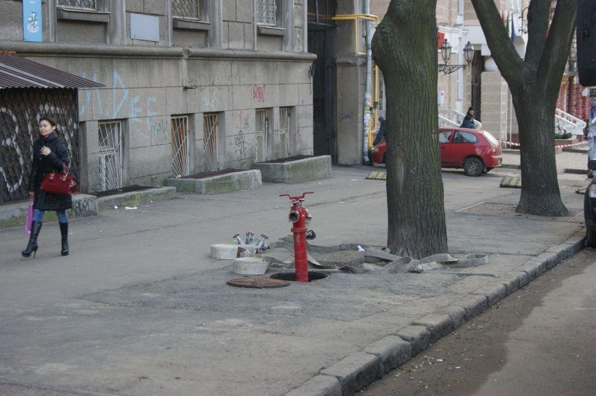 a7c71b31c869fbcbb70ebd3d472cb196 Из-за телефонных хулиганов в Одессе не ходят троллейбусы и перекрыта улица