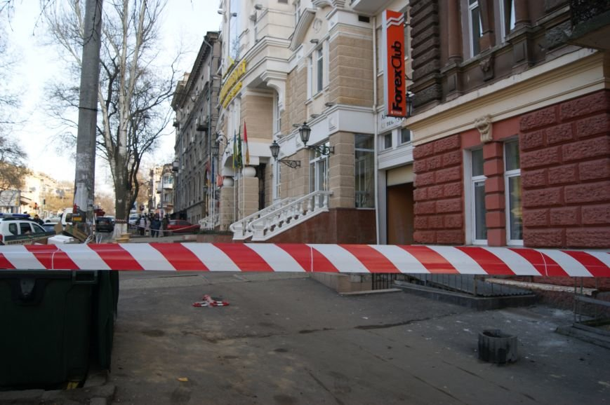 a920fb8ce00be5a7680b98c7768569aa Из-за телефонных хулиганов в Одессе не ходят троллейбусы и перекрыта улица